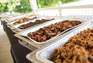 Wedding Catering Services Buffalo Grove IL - Famous Dave's - catering-delivery
