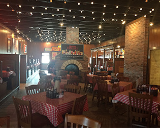 Famous Dave's Oswego IL: BBQ Restaurant | Award Winning Ribs - oswego-location-interior